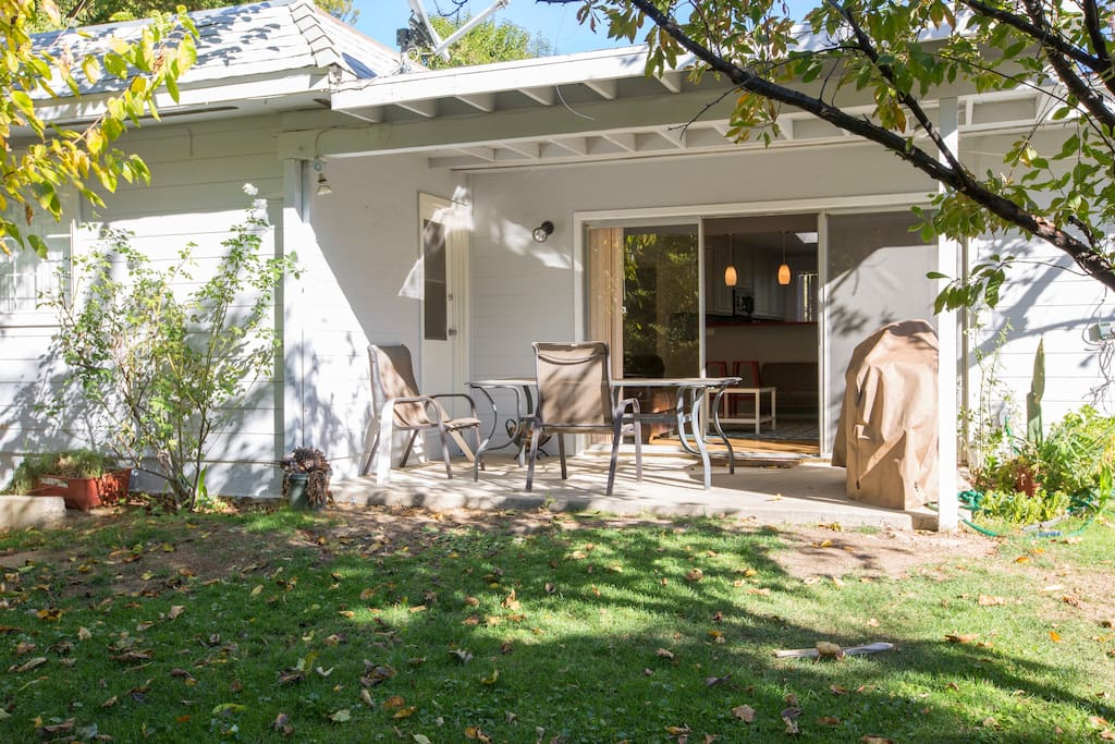 5049 Serrania Ave.,Los Angeles,California,United States 91364,House,5049 Serrania Ave. ,1022
