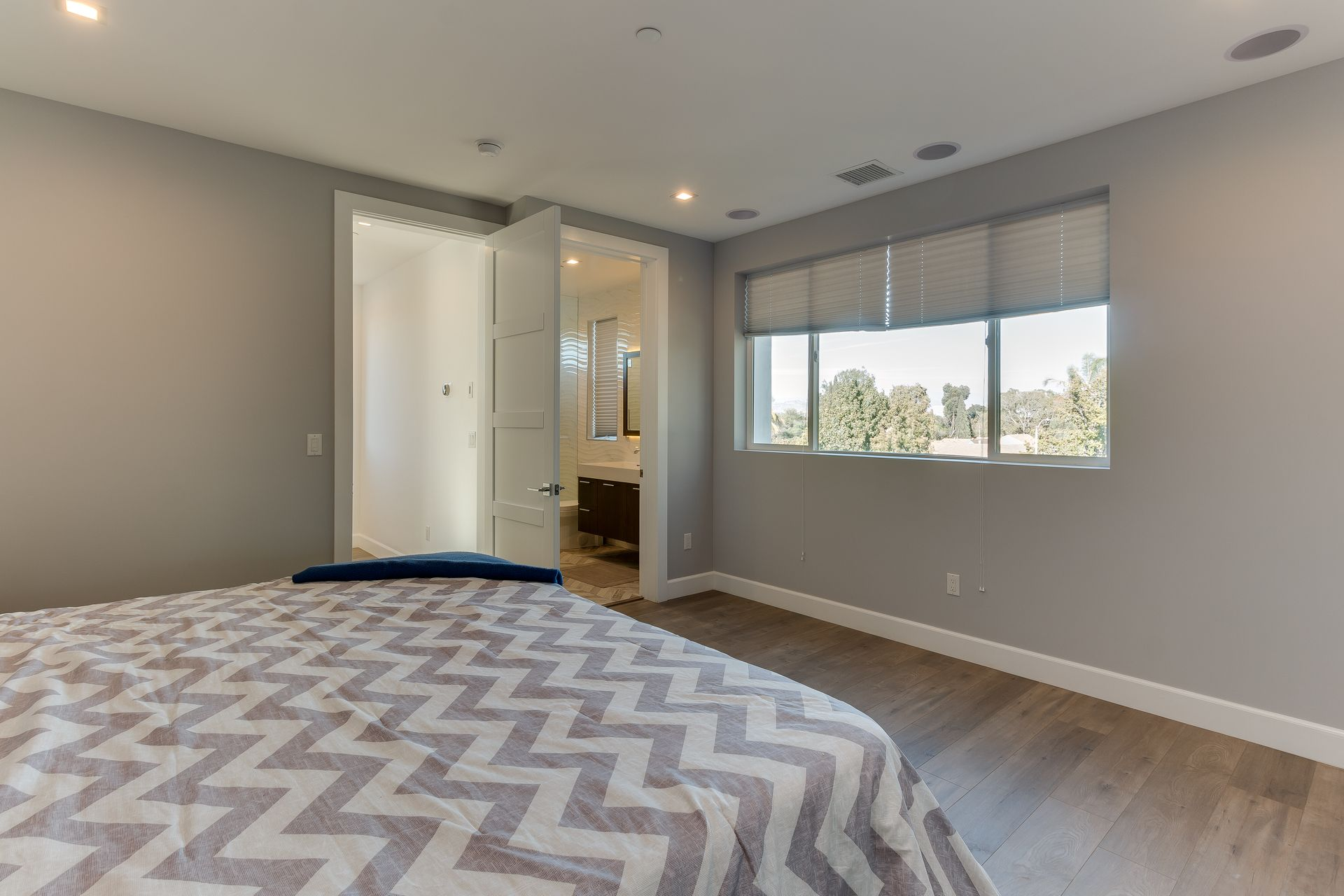 3136 ivy st,los angeles,los angeles,California,United States 90035,House,3136 ivy st,1039