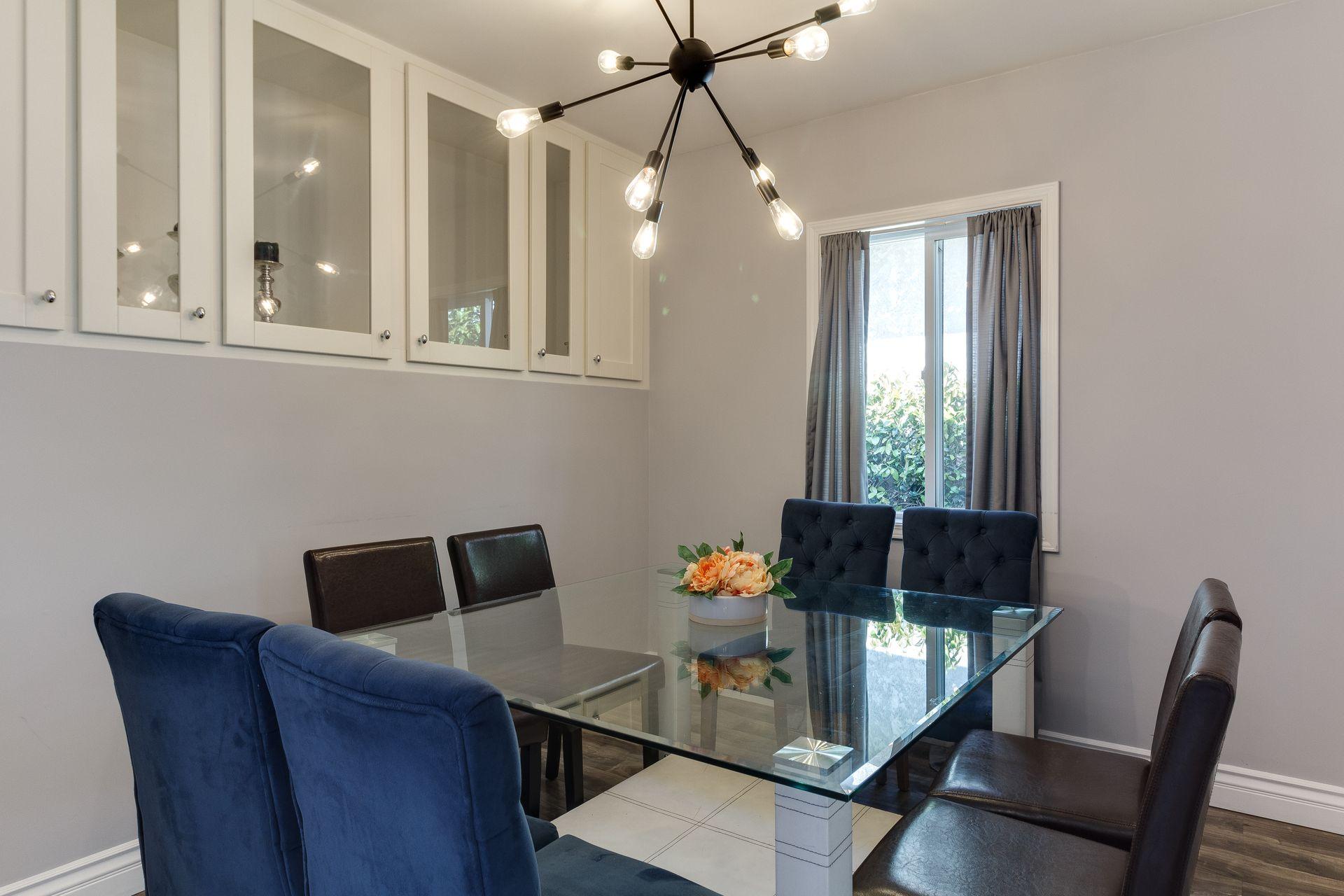 1546 Ellsmere Avenue,Los Angeles,California,United States 90019,House,1021