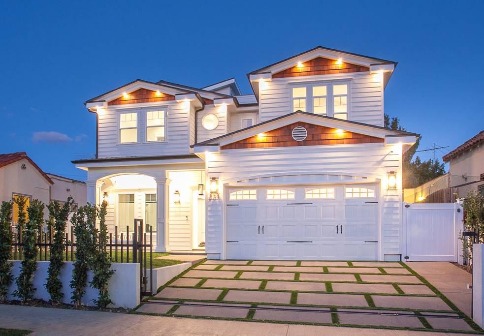 834 N Curson,California,United States 90046,House,N Curson,1036